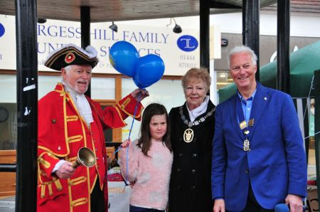 Lion President Chris Muschamp, Burgess Hill Mayor Anne Jones and the Town Cryer open the event!